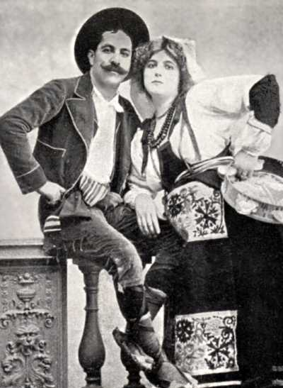 Clara Ward and her second husband, Rigó Jancsi, from a photograph on a German postcard from about 1905